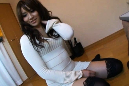 Rinka Aiuchi Asian working girl is a sexy gal