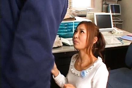 Sarasa Hara Beautiful Japanese secretary enjoys office sex