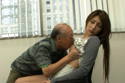 Lara Mizuki Asian beauty is crazy for sex