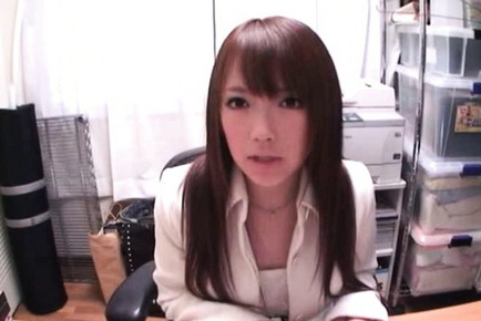 Sexy office lady Nazuna Otoi gets pounded like mad