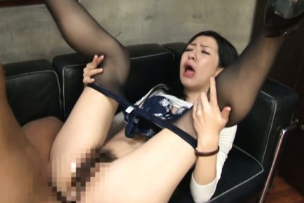 Office MILF Has Her Pantyhose Pulled Down To Be Fucked