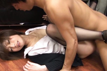 MILF Gets Her Pantyhose Pulled Down To Be Fucked At The Office