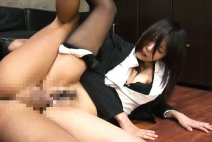 Office Teen Pulls Down Her Pantyhose To Get A Creampie