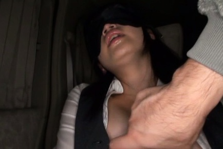 Young japanese Satomi Nomiya gets nailed in the car