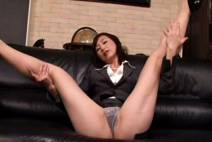 video horny japanese milf makes