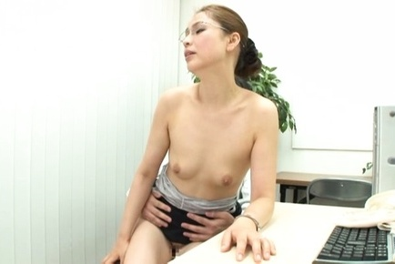 Hard office fuck with sleazy Yurie Matsushima