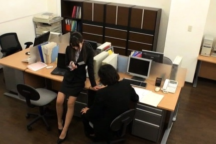 Office chick removes her undies for a good fuck